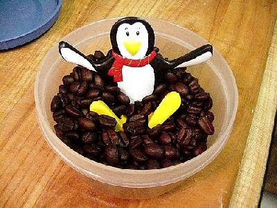 Photo Penguin And Coffee Food