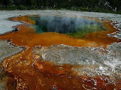 Photo Emerald Pool In Yellowstone Travel