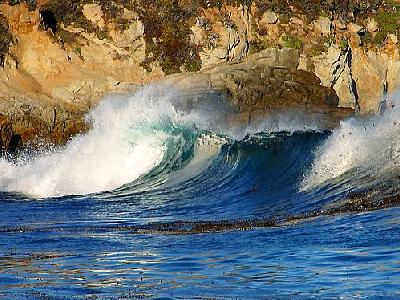 Photo Waves Near Monterey Travel