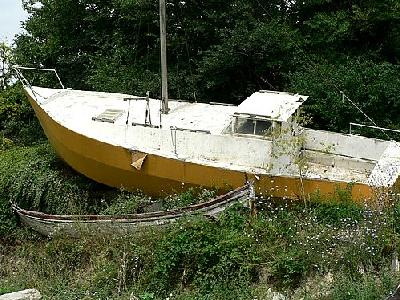 Photo Stranded Sailing Boat Vehicle