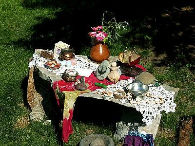 Photo Solstice Alter Table Other