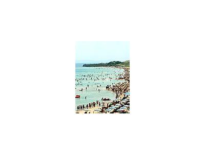 Photo Small Crowded Beach Ocean