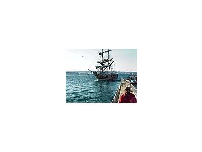 Photo Small Sailing Ship Vehicle